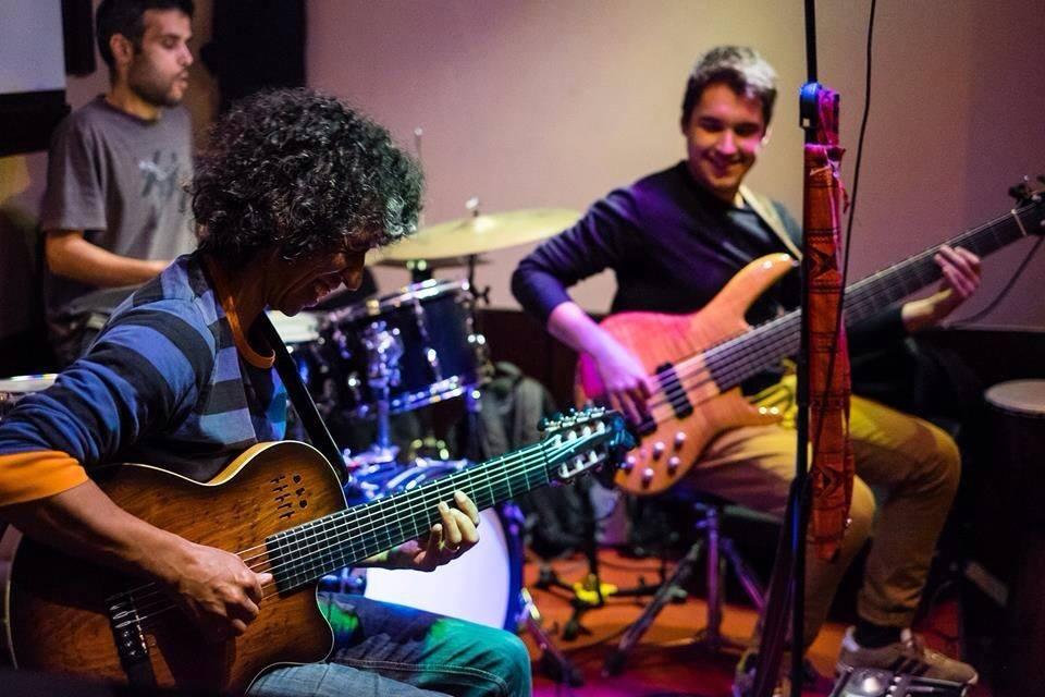 Tuniko Goulart Trio
